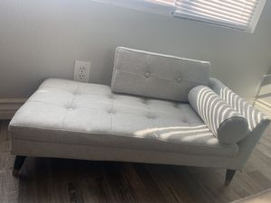 Dog bed / couch for Sale in Rialto, CA