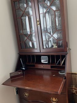 Secretary desk with lighted Glass Doors hutch$125.00 for Sale in Shrewsbury,  MA