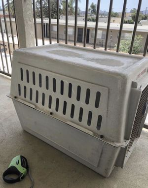 Large dog crate/kennel for Sale in Los Angeles, CA