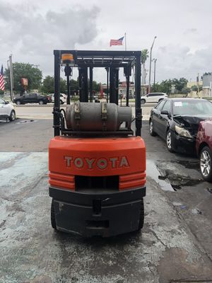 Toyota forklift 4500 lbs for Sale in Hollywood, FL