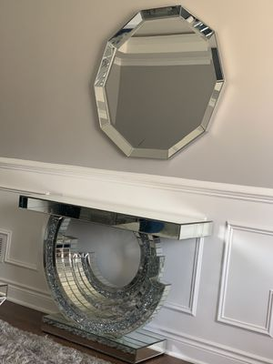 Brand new bling console with mirror for Sale in Chicago, IL