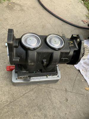Cummins wabco air compressor for Sale in Lynwood, CA