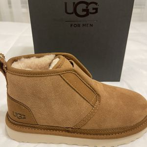 New Authentic UGG Men's Size 6 And Women's Size 8 for Sale in Long Beach, CA