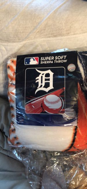 Detroit Tiger Sherpa throw blanket - new for Sale in Bay City, MI