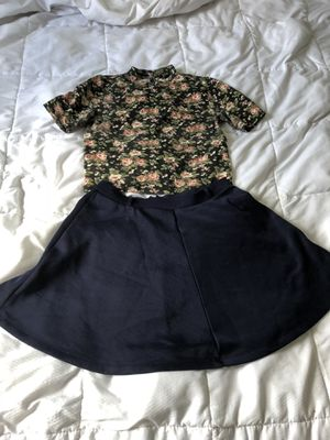 Juniors/women's size M - Forever 21 - 7 skirts and 1 top for Sale in Dracut, MA