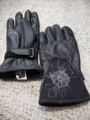 Motorcycle gloves women's size Small for Sale in Dayton, OR