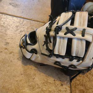 Mizuno 1st Baseman Glove for Sale in Las Vegas, NV