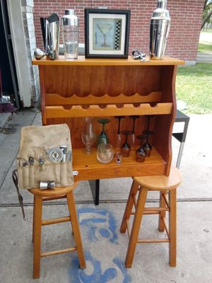 2 bars stool, wine stand, assorted wine glasses and bar set for Sale in Katy, TX