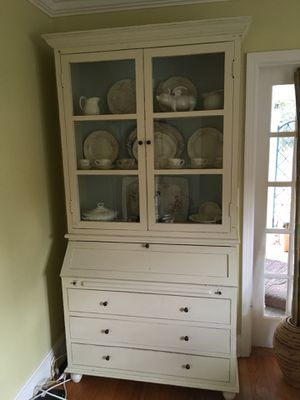Secretary/china closet. Really nice piece of furniture. Original finish. Original hardware. Original glass I believe. Lots of drawers and cubbies for for Sale in Perry, GA