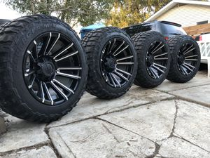 33x12.50 R20 for Sale in Woodridge, IL