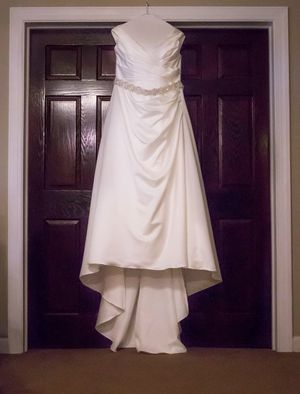 Bridal gown for Sale in Mauldin, SC