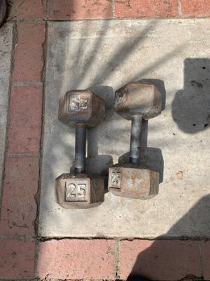 25 pounds dumbbells for Sale in Los Angeles, CA