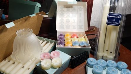 PARTYLITE candles!!! Frosted candle lamp shade & PL Car freshener. Huge lot of candles!!! for Sale in Lakewood,  WA