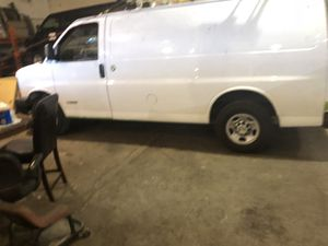 Chevy express 2500 for Sale in Dearborn Heights, MI