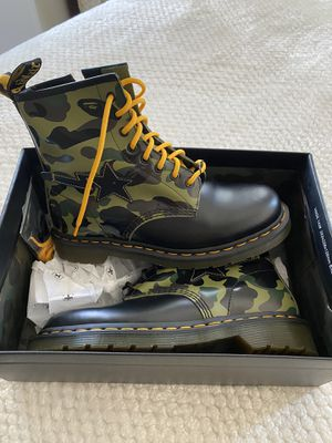BAPE DOC MARTENS SZ 8 for Sale in San Diego, CA