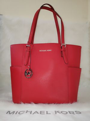 Michael Kors Jet Set Bright Red Tote Bag 💯AUTHENTIC👌 for Sale in San Diego, CA