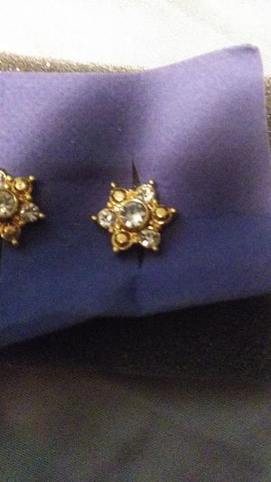 Gold diamond earrings Avon for Sale in Everett, WA