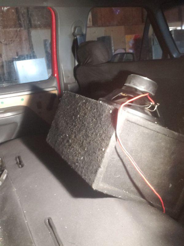 12 in 1000 watt jbl sub in box