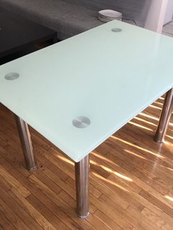 Dining Table (no chairs) for Sale in Los Angeles,  CA