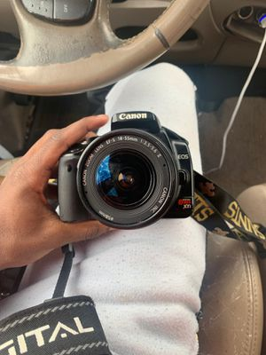 Canon camera EOS for Sale in Lawrenceville, GA