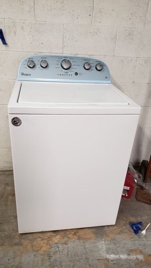 WHIRLPOOL OPEN BOX TOP LOAD WASHER for Sale in Covina, CA