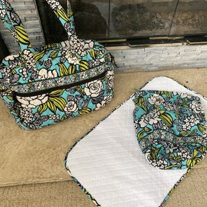 Vera Bradley Diaper Bag/changing Pad/lined Drawstring Bag for Sale in Duluth, GA