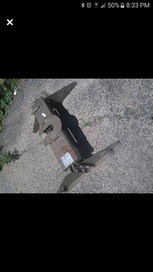 Fifth wheel trailer Hitch for Sale in Wood Dale, IL