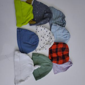 Baby boy Newborn outfit clothes beanie hats Lot# 37 for Sale in Pico Rivera, CA