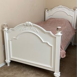 Two Twin Bed Frames With Nightstand for Sale in Hutto,  TX