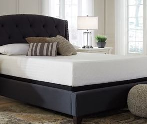 Great Memory Foam Bed (Perect For Maxing An Relaxing) for Sale in Cleveland,  OH