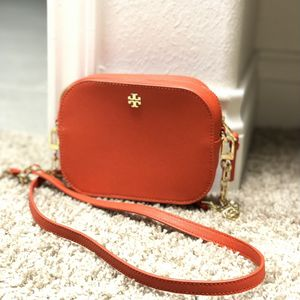 Toryburch mini cross bag for Sale in Katy, TX
