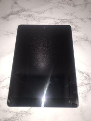 iPad 6th generation bundle for Sale in San Antonio, TX
