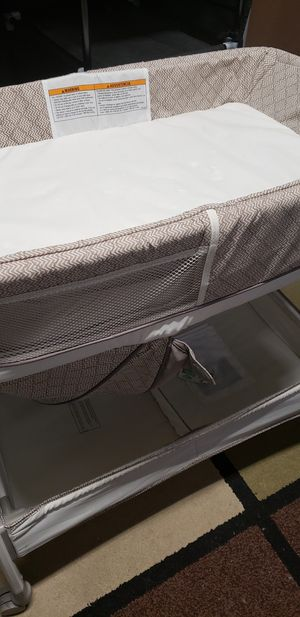 Bassinet and changing table in one! for Sale in Boca Raton, FL