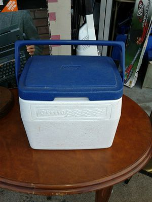 Coleman 5 quart cooler for Sale in Bellefontaine Neighbors, MO