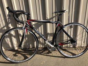 Giant full carbon bike for Sale in Turlock, CA