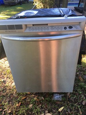 Frigidaire dishwasher for Sale in Oviedo, FL