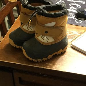 Kids Snow Boots Size 4 Toddlers for Sale in San Bernardino, CA