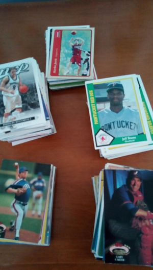 Basketball/baseball cards for Sale in Lakewood, OH