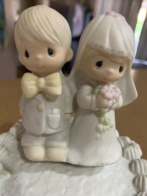Precious moments cake topper/music box for Sale in Peoria, AZ