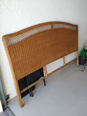 Wicker bed - King - w/frame for Sale in Bonita Springs, FL