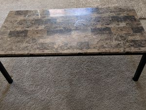 1 coffee table and 2 end tables for Sale in Peoria, AZ