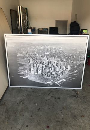 Huge picture of Manhattan. Just sitting in garage and not using for Sale in San Diego, CA