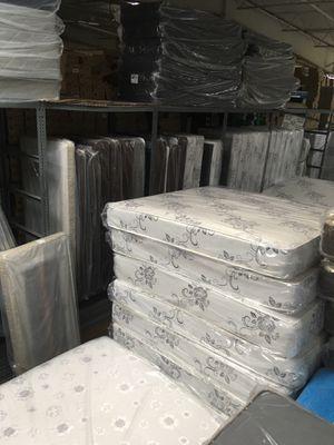 Deluxe brand mattress Queen Size Set for Sale in Costa Mesa, CA