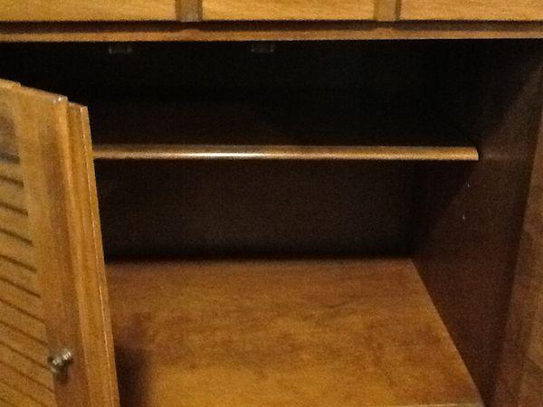 ETHAN ALLEN Heirloom Maple Cabinet and Book Shelf