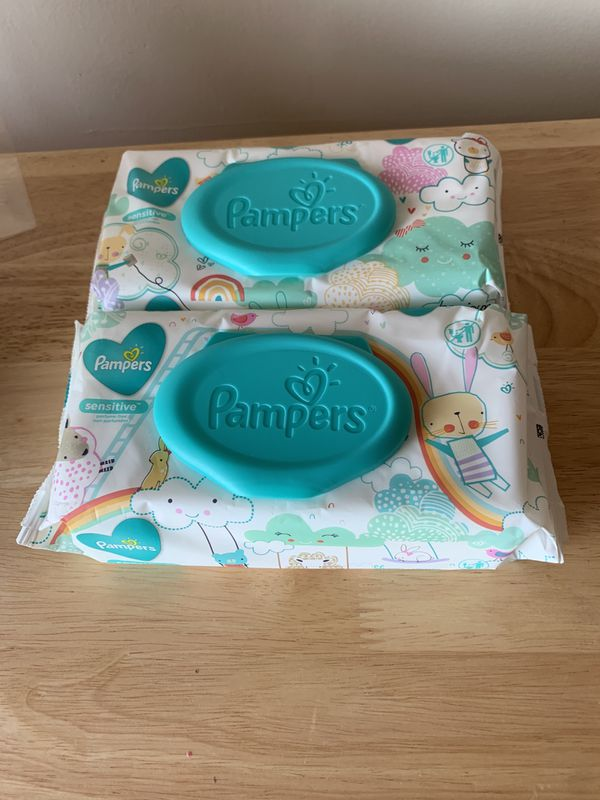 Pampers set of 2