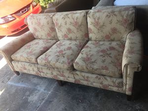 Floral Couch for Sale in Arlington, TX