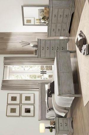 Louis Philip 4pc Queen Bedroom Set 36 for Sale in Houston, TX