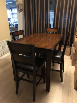 Wood hightop table and chairs for Sale in Boynton Beach, FL