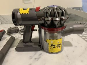 Dyson V7 Trigger Cord-Free Handheld Vacuum Cleaner for Sale in Newton, MA