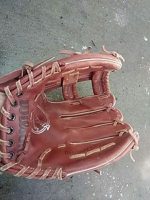 Softball glove for Sale in San Leandro, CA